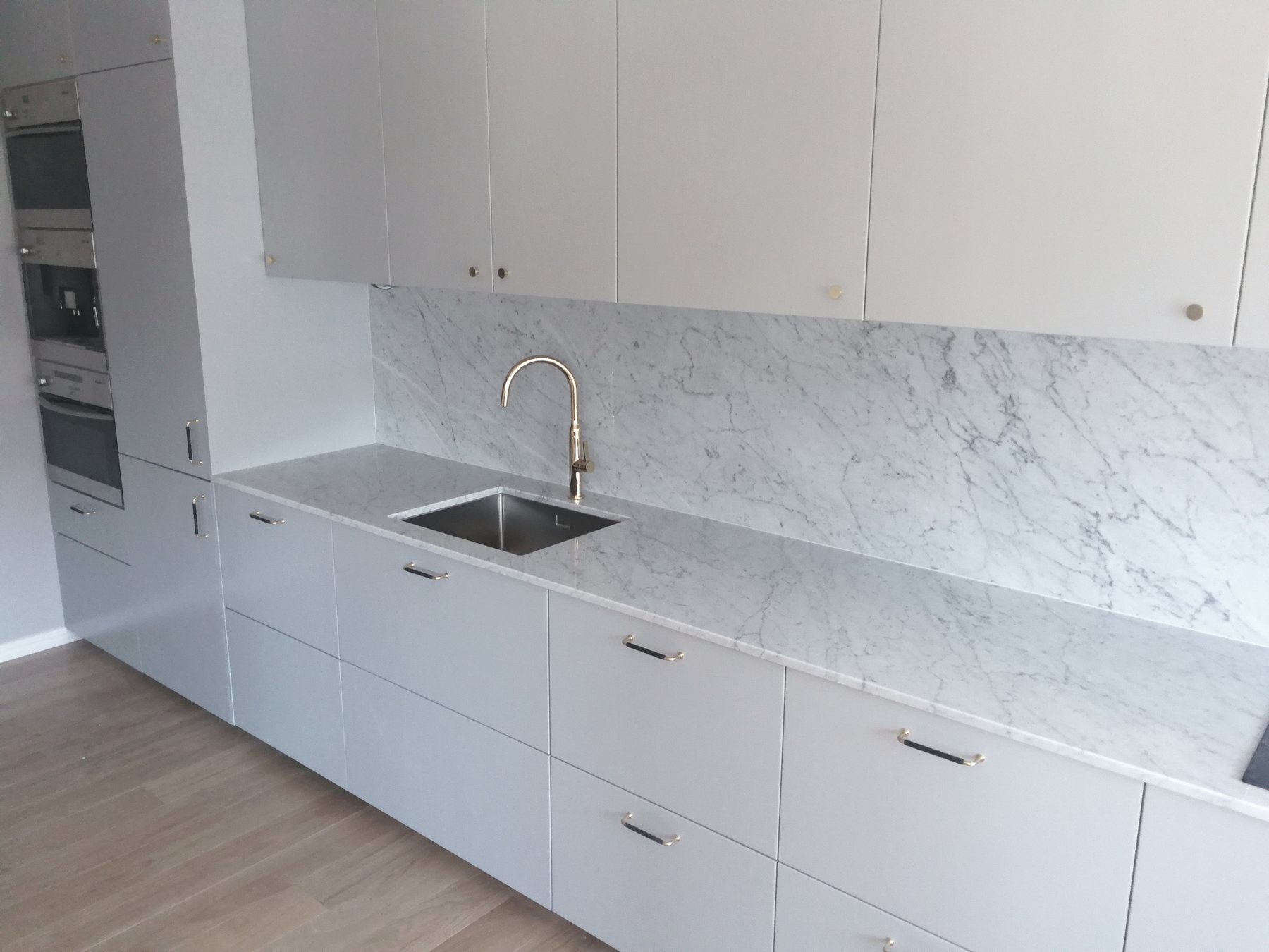 marmorist köögi töötasapind