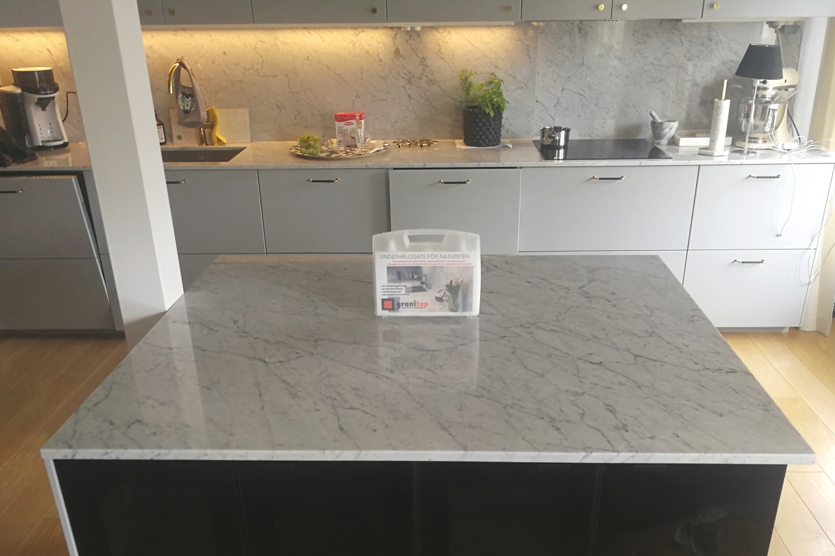 Carrara marmorist köök ja köögisaar