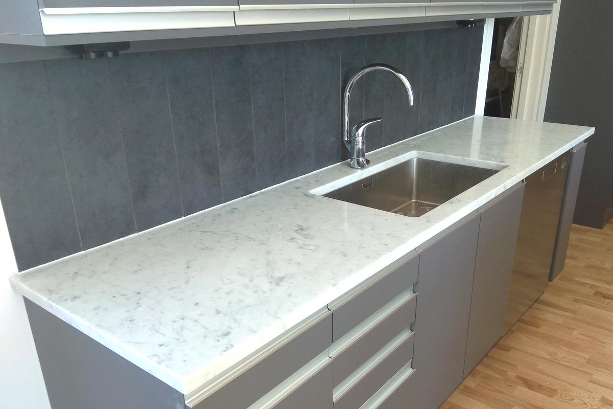 valgest marmorist köök