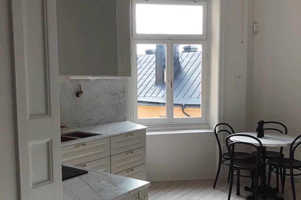 Bianco Carrara C kök